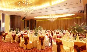 Offer banquet hall services