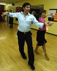 Offer dance lessons services