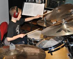 Offer drum lessons services