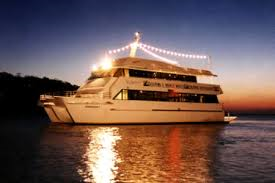 Offer dinner cruise services